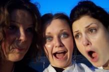 three-girls-1057194-1279x852